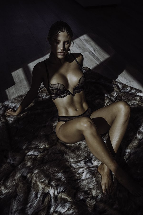 model posing black lingerie boudoir photography