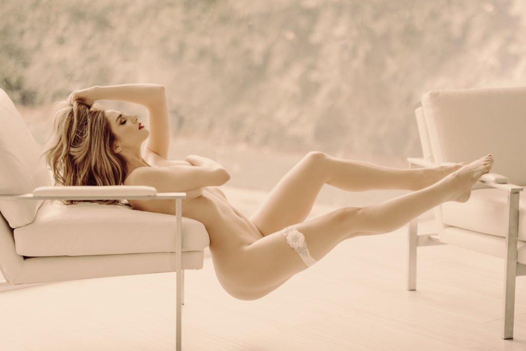 Sexy Blonde Mackenzie Posing Outdoors los angeles boudoir photographer Caroline Malouf